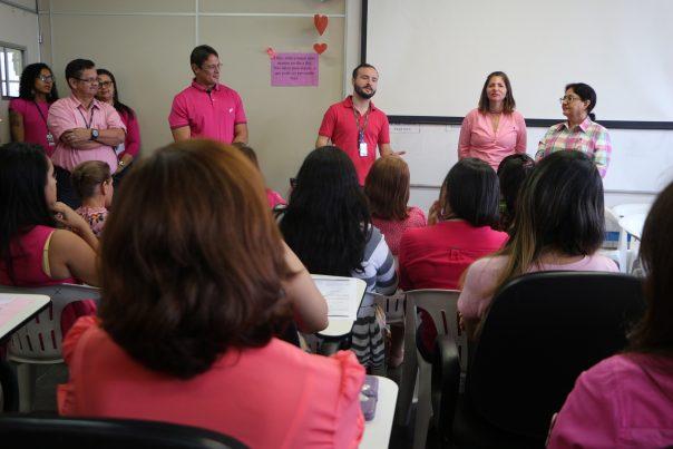 Servidores participam de atividades de conscientização contra câncer de mama