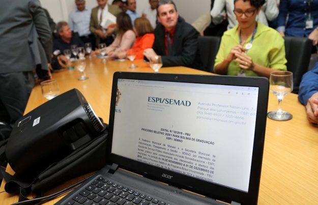 Prefeitura lança edital com 17,5 mil vagas para o programa 'Bolsa Universidade 2020'